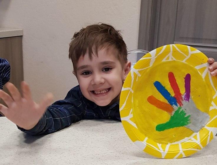 В центре «Аэлита family» создана развивающая среда для детей и их родителей, работает команда арт- педагогов. Родители будут творчески заняты во время ожидания детей, а дети будут увлечены полезным делом во время занятия родителей.