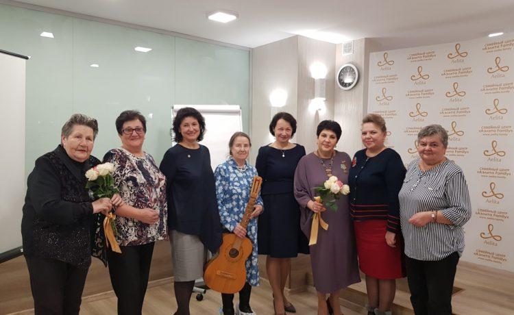 Поздравляем Любовь Михайловну Глазунову с наградой!