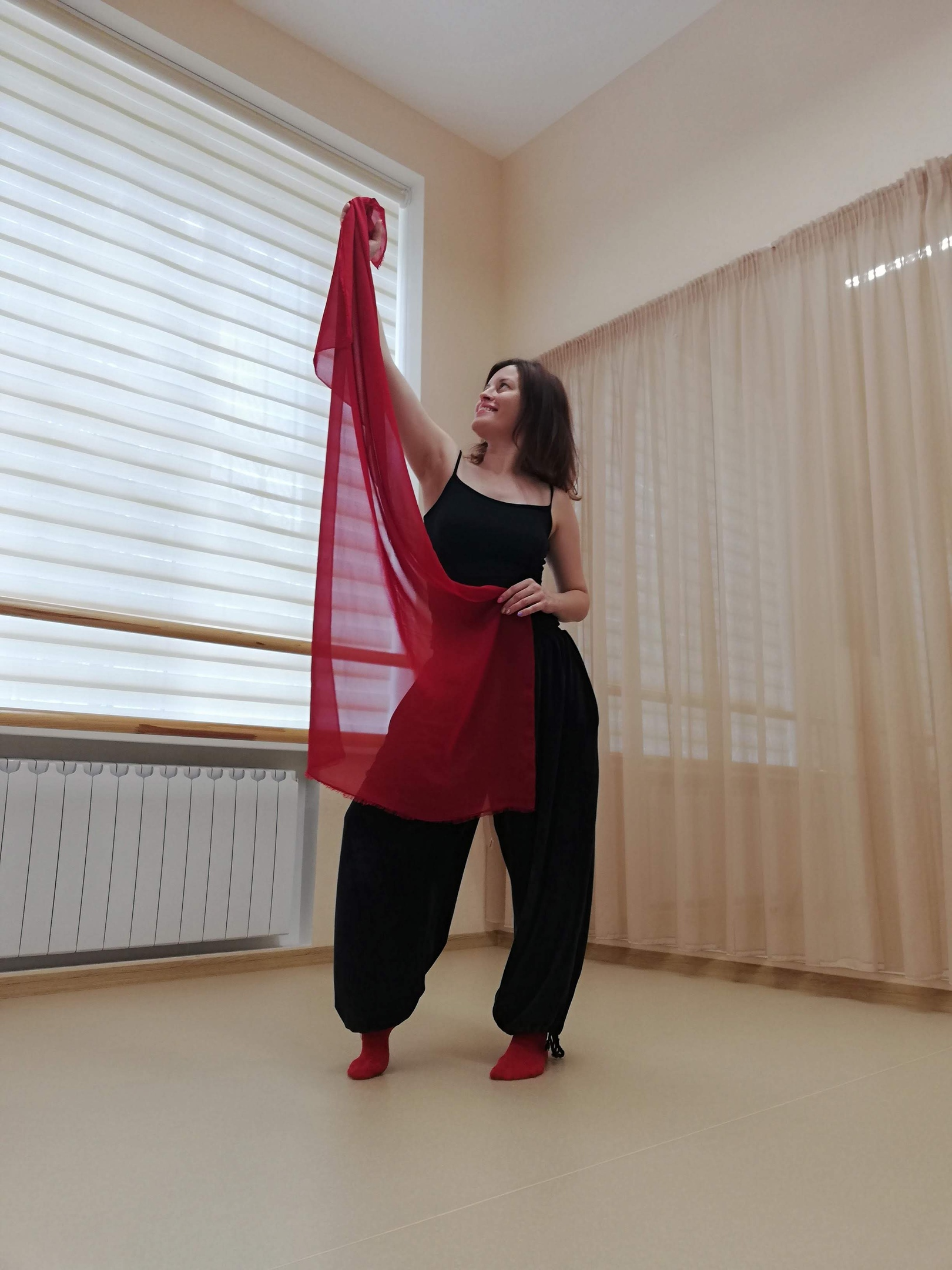 """Друзья, 28 февраля стартует трехдневный женский тренинг """"Танцую свою жизнь""""!  Что мы будем делать на тренинге?  Много танцевать!"""